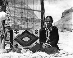 Really detailed instructions about how to weave on a Navajo loom!