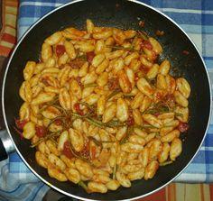 Raschiatelli salsiccia e asparagi Kung Pao Chicken, Shrimp, Pasta, Meat, Ethnic Recipes, Food, Meal, Eten, Meals