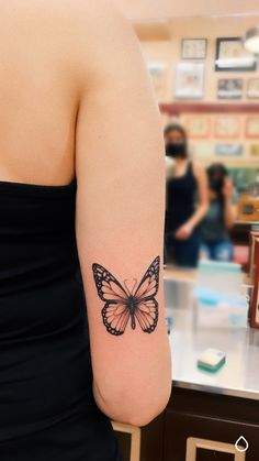 Cool Wrist Tattoos, Girl Arm Tattoos, Dainty Tattoos, Badass Tattoos, Pretty Tattoos, Mini Tattoos, Cute Tattoos, Beautiful Tattoos, Body Art Tattoos