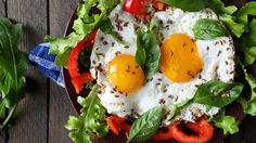 Dr. Frank Lipman's Poached Eggs and Greens | The Dr. Oz Show #Eggs #Poached #Breakfast