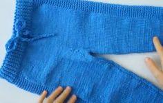 Örgü Çocuk Pantolon Modeli Yapılışı | Örgü Modelleri Fingerless Gloves, Arm Warmers, Sweaters, Fashion, Mittens, Moda, Cuffs, Fashion Styles, Fingerless Mitts