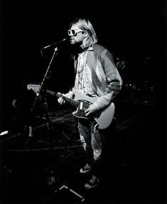 For everything Nirvana check out Iomoio Banda Nirvana, Nirvana Songs, Aesthetic People, Music Aesthetic, Music Background, Donald Cobain, Lyric Tattoos, Nirvana Kurt Cobain, Music Illustration