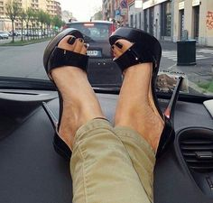 I love long, shapely legs and high heels, especially t-strap and slingbacks, but really I love them all as long as the heels are stilettos and 5 inches tall Black Stiletto Heels, Black High Heels, High Heels Stilettos, High Heel Boots, Heeled Boots, Hot Heels, Sexy Legs And Heels, Talons Sexy, Beautiful High Heels