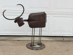 Welded Scrap Metal Longhorn Cow Metal Art Projects, Welding Projects, Welding Ideas, Longhorn Cow, Ice Tongs, Scrap Metal Art, Yard Art, Wind Chimes, Metal Working