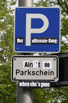 Dieses Parkplatzschild ließ sie nicht unkommentiert. Von der Street-Art-Künstlerin Barbara