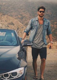 This Mens summer casual short outfits worth to copy 45 image is part from 75 Best Mens Summer Casual Shorts Outfit that You Must Try gallery and article, click read it bellow to see high resolutions quality image and another awesome image ideas. Casual Shorts Outfit, Casual Outfits, Men's Outfits, Mens Smart Casual Shorts, Urban Outfits, Men's Casual Wear, Man Outfit, Stylish Mens Outfits, Urban Dresses