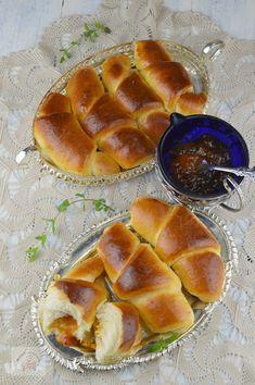 Cornuri pufoase cu gem - CAIETUL CU RETETE Grapefruit, Cake Decorating, Food, Essen, Meals, Yemek, Eten