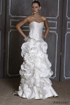 Свадебные платья от Carolina Herrera осень-зима 09/10 / свадебные платья с бантом фото