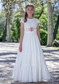 Amaya 2017 | El Bosque Frocks For Girls, Little Girl Dresses, Flower Girl Dresses, Girls Baptism Dress, Communion Dresses, Cute Girl Outfits, Boho Skirts, White Dress, Fashion Outfits