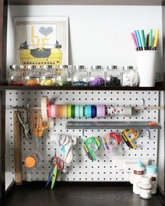 Love the peg board craft organizer (from DIY Tools to Live By: Best Crafting Basics Electronics Projects, Do It Yourself Organization, Sewing Room Organization, Office Organization, Organized Office, Home Tech, Space Crafts, Craft Space, Craft Storage