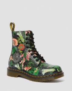 Buy the Dr Martens 1460 Pascal Wild Botanics Womens Leather Boots in Multi at Scorpio Shoes! Dr Martens 1460, Dr. Martens, Botas Doc Martens, Doc Martens Stiefel, Doc Martens Women, Doc Martens Outfit, Floral Ankle Boots, Shoe Boots, Shoes Sandals