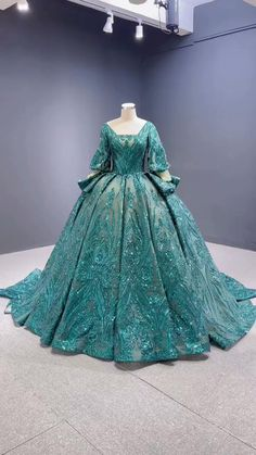 Wedding Dresses With Flowers, Formal Dresses For Weddings, Prom Dresses Blue, Formal Gowns, Ball Gowns Fantasy, Lace Ball Gowns, Ball Dresses, Fantasy Dress, Sweet 15 Dresses