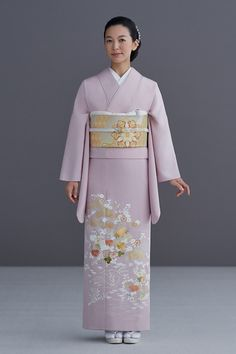 Yukata Kimono, Kimono Top, Japanese Beauty, Japanese Lady, Japanese Costume, Japanese Outfits, Costumes For Women, Traditional Outfits, Cool Outfits