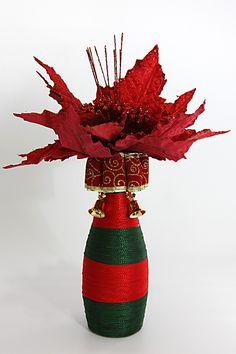 Garrafas decoradas as flores não acompanham o produto.