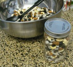 Mama's Trail Mix - Boost your milk supply! World Breastfeeding Week, Breastfeeding And Pumping, Lactation Recipes, Lactation Cookies, Trail Mix Recipes, Healthy Snacks, Healthy Recipes, Healthy Eating, Nursing Tips