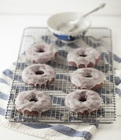 Blackberry Doughnuts with Vanilla Bean Glaze // YUM!