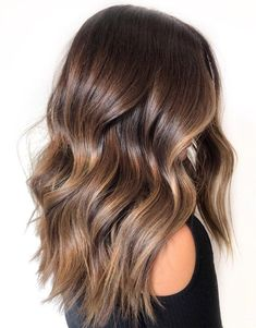 Long Wavy Ash-Brown Balayage - 20 Light Brown Hair Color Ideas for Your New Look - The Trending Hairstyle Brown Hair Balayage, Brown Hair With Highlights, Balayage Brunette, Hair Color Balayage, Brown Hair Colors, Ombre Hair, Brown Blonde Hair, Balayage Hairstyle, Brunette Highlights