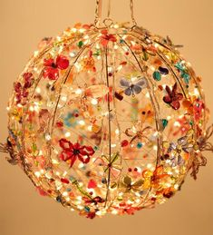 Colorful, bright and so enchantingly appealing, this is a garden light that flutters like butterflies - cooliyo.com