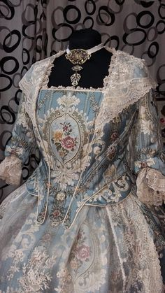 18th Century Dress, 18th Century Costume, Beautiful Costumes, Beautiful Dresses, Elizabethan Fashion, Vintage Outfits, Vintage Fashion, Art Textile, Period Outfit