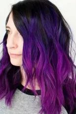 24 Inspiring Purple Hair Color Ideas Purple hair color is the perfect option to step out of your box while creating a new look. Violet hair is everywhere these days, no matter if your locks are long and curly or short and straight. Bright Purple Hair, Bright Hair Colors, Hair Color Purple, Purple Ombre, Cool Hair Color, Short Purple Hair, Purple Streaks, Purple Style, Violet Hair Colors