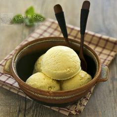 This fragrant Sweet Corn Basil Ice Cream is a delicious treat any time of the year. It is fully infused with fresh corn and a slightly spicy basil flavor. | Roti n Rice