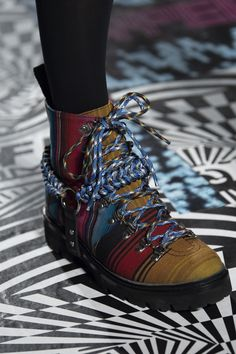 House of Holland at London Fashion Week Fall 2019 - Details Runway Photos Holland Beach, Fallen London, Warm Boots, House Of Holland, Shoe Art, Designer Shoes, Me Too Shoes, Hiking Boots, Fashion Show