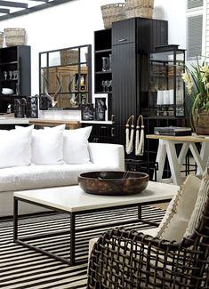 Mobiliario para jardín de atrás +objetos de deco. Private House Company