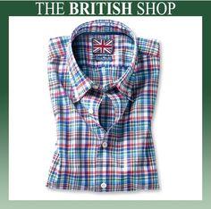 Das kommende Wochenende verspricht ja sehr gutes Wetter! Deshalb ist dieses sommerliche Multicolor-Hemd von Charles Robertson unser Produkt der Woche. Besonders mögen wir natürlich das Union Jack-Label…