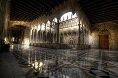 "Galeria Gótica del Palau de la Generalitat. ""BIG 278502812040411"" by Generalitat de Catalunya - Own work. Licensed under CC BY-SA 3.0 via Wikimedia Commons - http://commons.wikimedia.org/wiki/File:BIG_278502812040411.jpg#mediaviewer/File:BIG_278502812040411.jpg"
