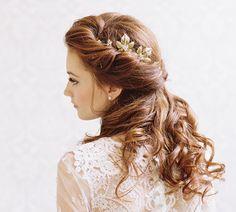 Gold leaf and rhinestone bridal hair pins by EricaElizabethDesign