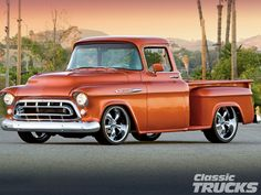 1101clt_01_o+1957_chevy_3100+front_side