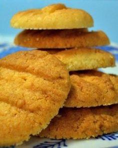 Deliciosas galletas con sabor a naranjas, ideales para acompañar un café.