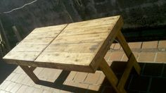 Mesa plegaduza con Pallet By Rucula Design.