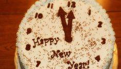 Βασιλόπιτα είναι to γλυκό έθιμο της πρωτοχρονιάς όπου γίνεται ένα μικρός ανταγωνισμός για το ποιος θα είναι ο τυχερός με το φλουρί. Cooking Cake, Cooking Recipes, Healthy Recipes, Food Network Recipes, Food Processor Recipes, The Kitchen Food Network, New Year's Cake, Xmas Food, Healthy Cookies