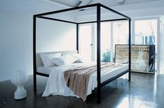 Doppelbett / Himmel / modern / Holz
