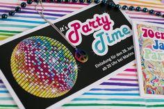 #Hippie #Flowerpower #peacelove #Mottoparty #Einladungskarte #Disco #Party  #DIY