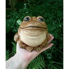 Saw this + thought of you cousin, you always <3'd frogs :-) RIP David 1976- 2015....Large Toad Frog Garden Statue/Figurine 5.5 by HarkCreationsHouston