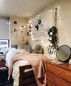 Stylish cool dorm rooms style decor ideas 01 is part of Girls dorm room Stylish cool dorm rooms style decor ideas 01 - College Bedroom Decor, Cool Dorm Rooms, Small Room Bedroom, College Dorm Rooms, Room Ideas Bedroom, Home Decor Bedroom, Small Rooms, Girls Bedroom, Bedrooms
