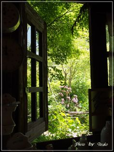 Rosamaria G Frangini Secret Garden Door, Garden Doors, Garden Gates, Tudor Cottage, Tudor House, Cottage Living, Window View, Open Window, Japanese Countryside