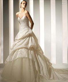 Elegant Taffeta Spaghetti A-line Ruffle Applique Wedding Dress