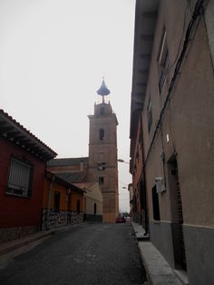 Torre de la Iglesia de San Cipriano, desde la calle Huesario.