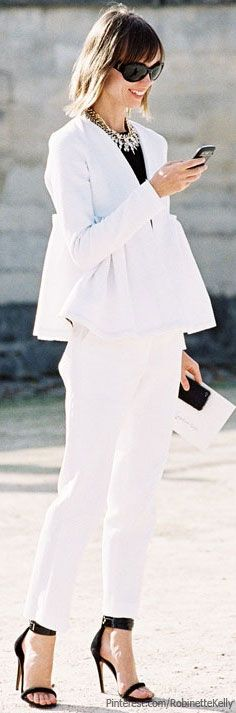 Street Style ~White and Black Diva Fashion, Fashion Looks, Summer Wear For Women, Work Looks, White Outfits, Winter White, White Fashion, Leggings Are Not Pants, Suits For Women