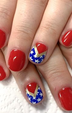 of July Nail art that is chevron with red white and blue star that looks like Wonder Woman Fruit Nail Art, Red Nail Art, Nail Art Designs, Nail Designs Spring, July 4th Nails Designs, Cute Summer Nails, Spring Nails, Wonder Woman Nails, Nail Art Halloween