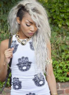 Black girls/Dyed Hair. Check out the website, some girl tried a new diet and tracked her results