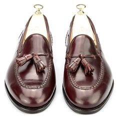 Carmina Cordovan Tassels #carminashoemaker #cordovan #tassels #loafers #gentleman #danielsmood