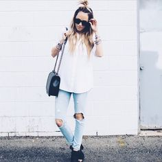 Fashion blogger Megan Anderson of Styled Avenue wearing our Frame Denim Le Skinny De Jeanne in Nowita!   http://www.oxygenboutique.com/Le-Skinny-De-Jeanne-Nowita.aspx  #FrameDenim #fashion #blogger #rippedjeans #ootd