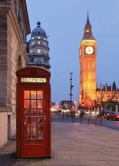 Red telephone box et Big Ben à Londres (Angleterre)