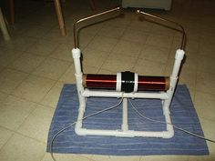 Tabletop Tesla coil http://makezine.com/2009/06/15/tabletop-tesla-coil/