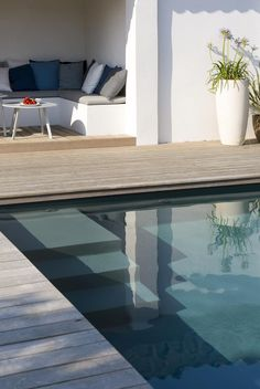 Waterfront residential property costs a hefty premium. But do not be discouraged if you're landlocked. You can produce your very own home-by-the-sea atmosphere with a pool house ideas.