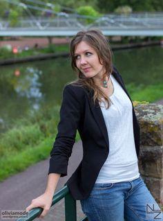 Fashion shooting idée tenue Tailleur décontracté   Blazer manches 3 4 - t  shirt fluide 991c4d416dc6